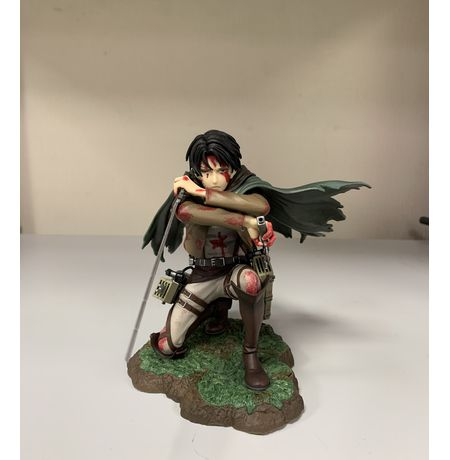 Фигурка  Атака на Титанов - Леви (Attack On Titan - Levi Fortitude Ver., ARTFX J) УЦЕНКА изображение 4